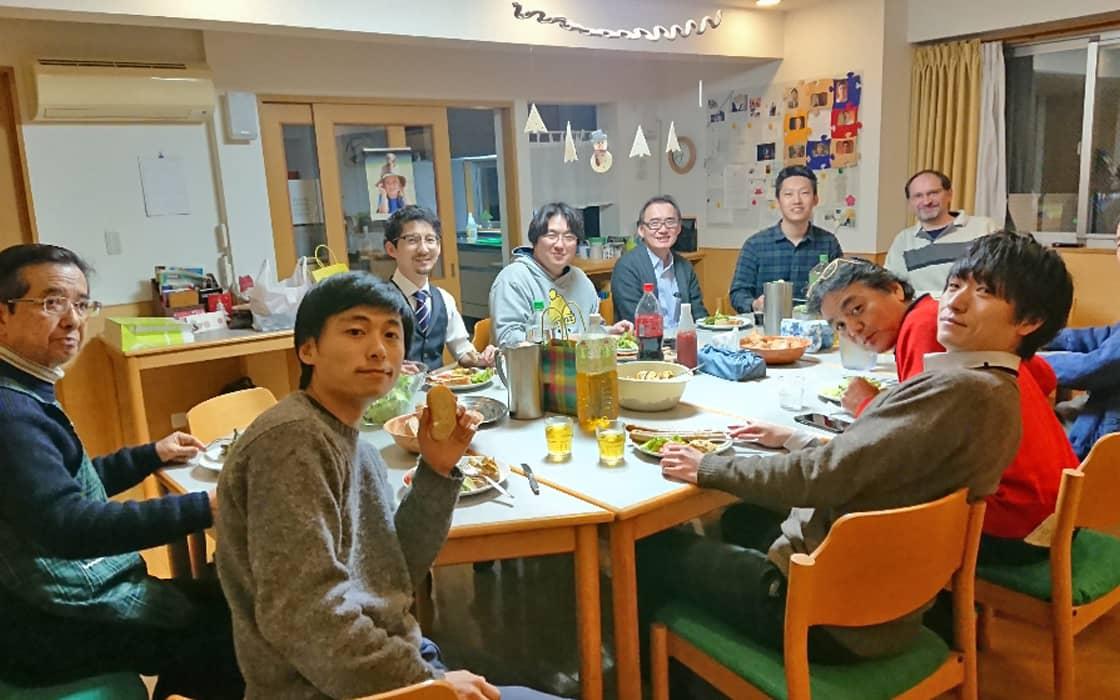 News: Japanische Männer lernen schwäbische Maultaschen und Jesus kennen