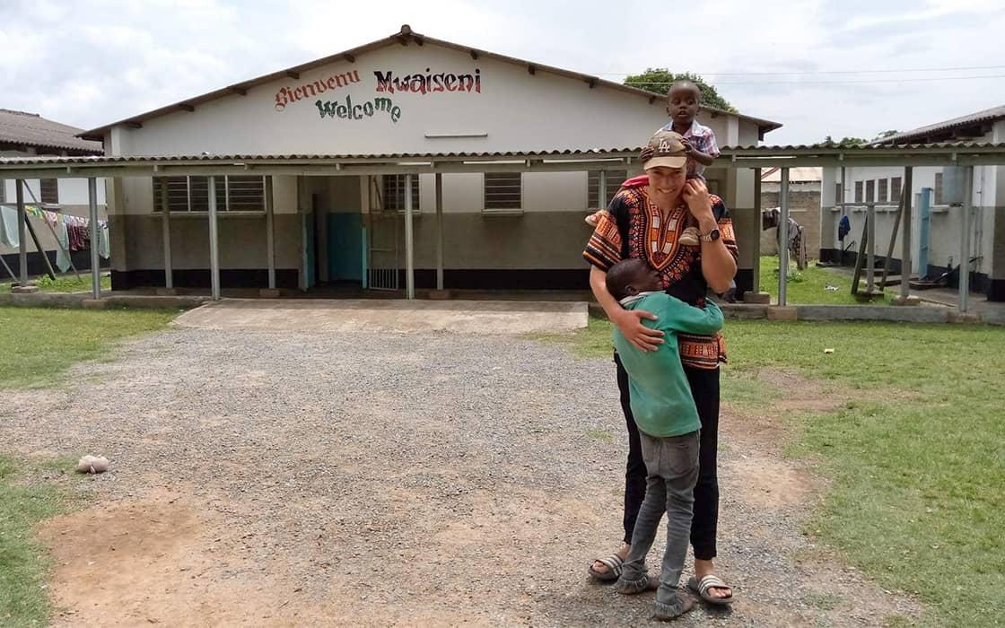 News: Vater im Waisenhaus