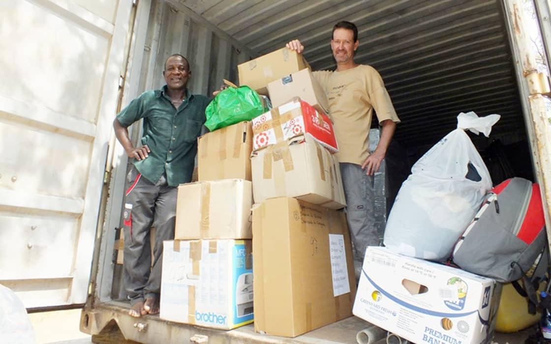 Container kommt nach acht Monaten gut in Ubwenzi an